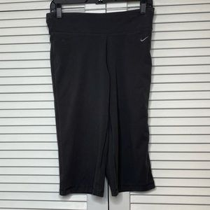 NIKE- Dri-Fit Charcoal Capri Legging